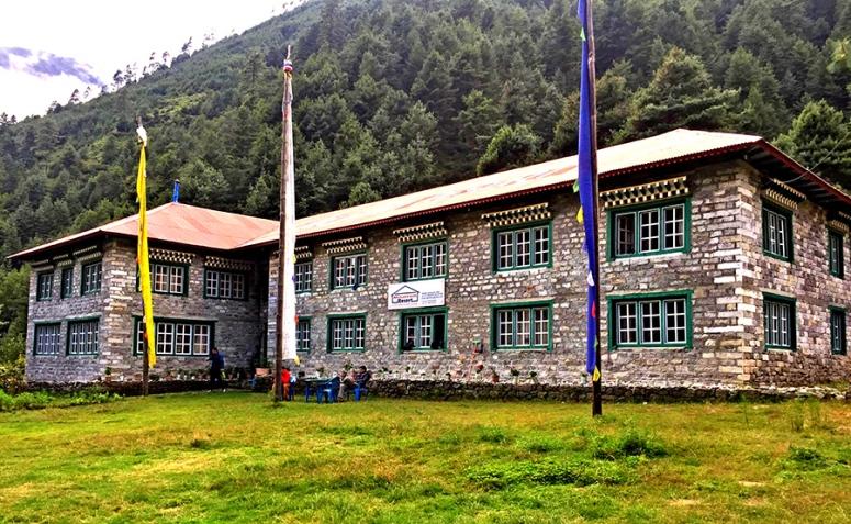 Mountain Resort Phakding